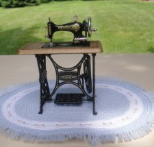 Sewing Machine (Bodo Henning)