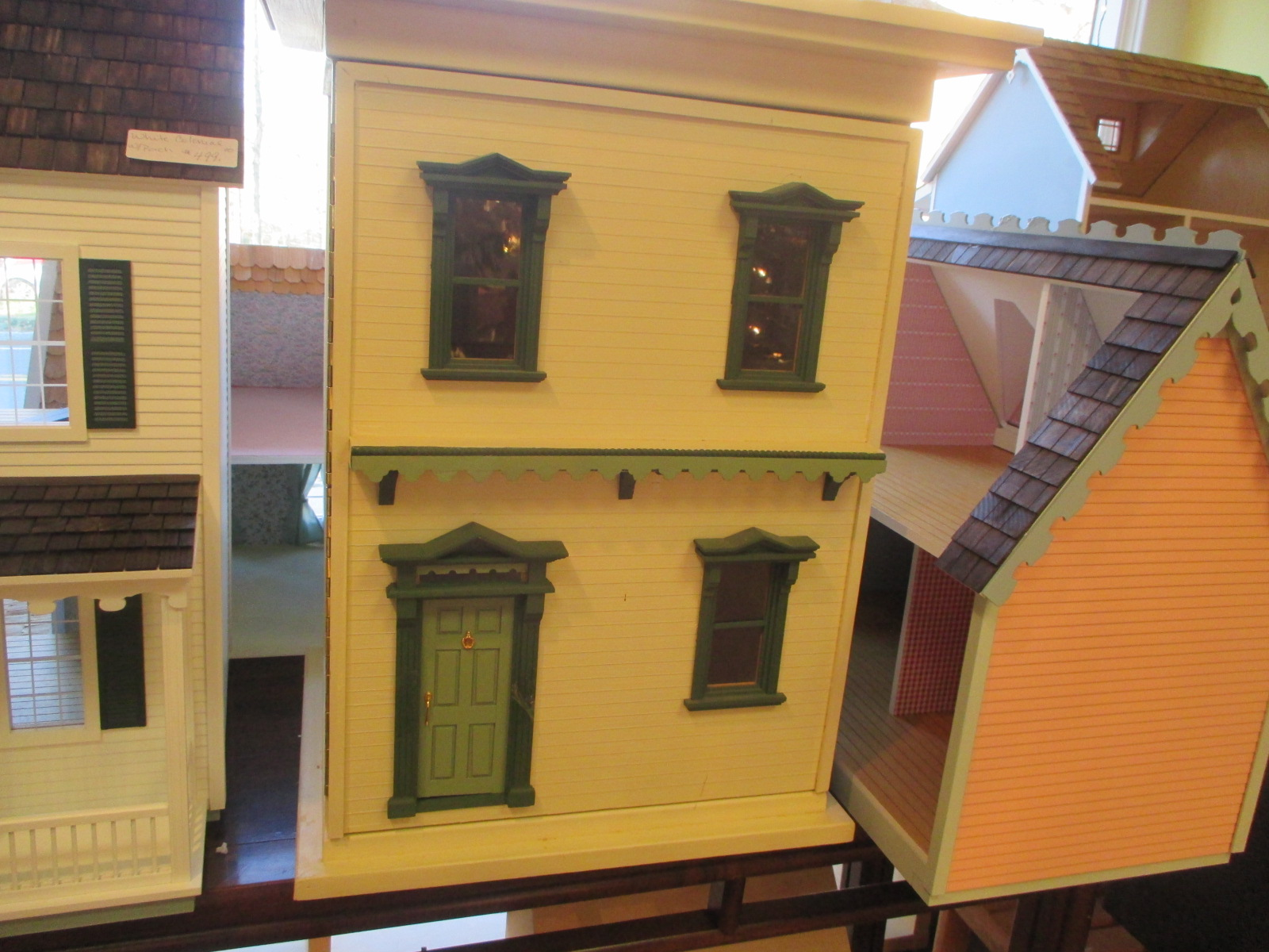 "Dollhouse ~ 2 Room Front Opening ~ 1"" Scale"