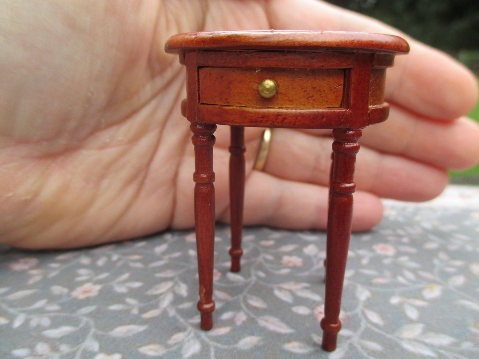 Vintage Bespaq / Fantastic Inlay Round End Table w/ Drawer