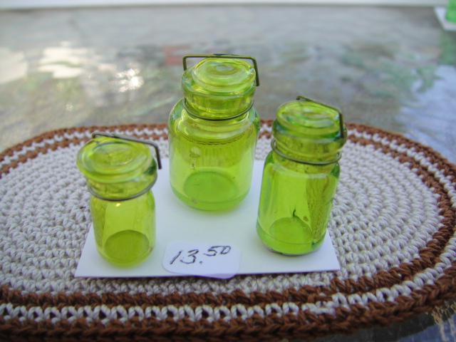 Set of 3 Round Green Canning Jars